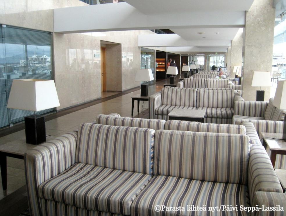 Azoreilla Ponta Delgadassa sijaitsevan Hotel Marina Atlânticon aula oli avara.