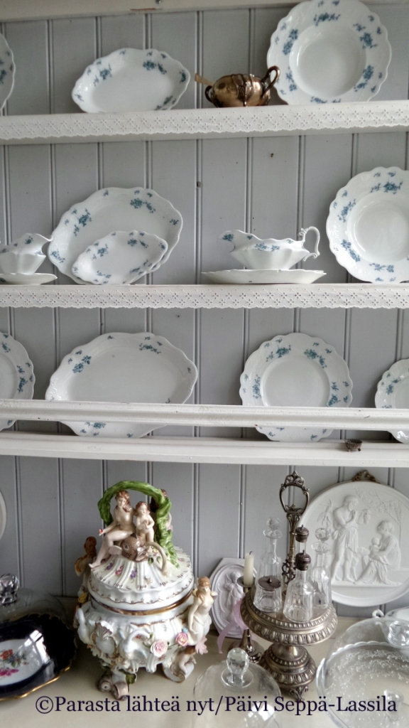 Villa Randalan astioita