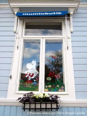 20. Naantali, Muumi-myymälän ikkuna.