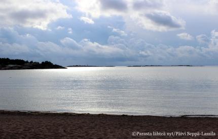 34. Lauantain festivaalipäivä oli aluksi pilvinen, mutta päivällä aurinko rohkeni tulla esiin.