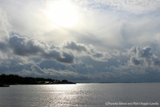 35. Meri on Hangon hienoin elementti.