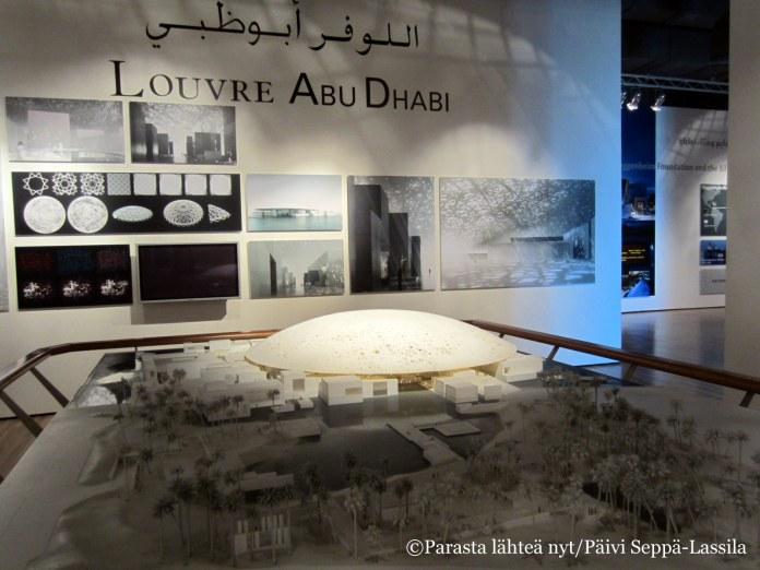 Abu Dhabin Louvre-museon katto on pitsimäinen.