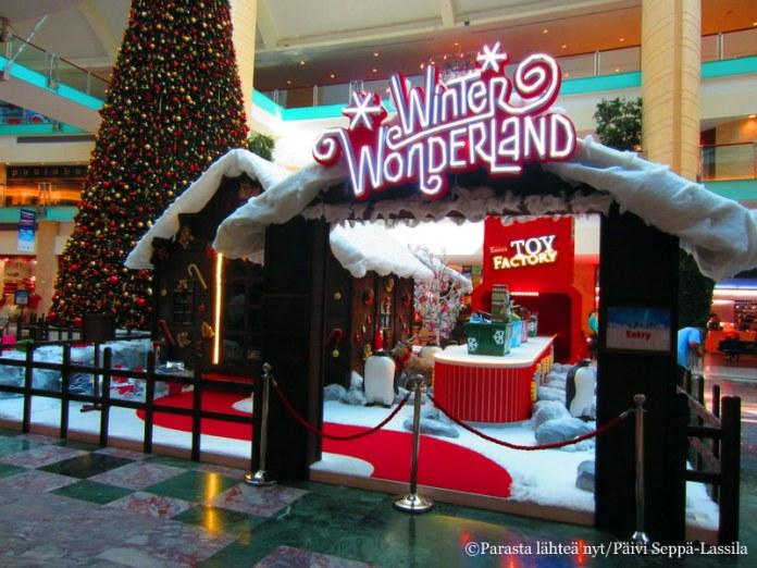 Joulun ihmemaa löytyi myös ostoskeskuksesta Abu Dhabissa.