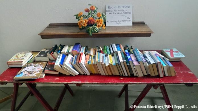 Käytettyjä kirjoja oli myytävänä myös eräässä kirkossa Cambridgessa.
