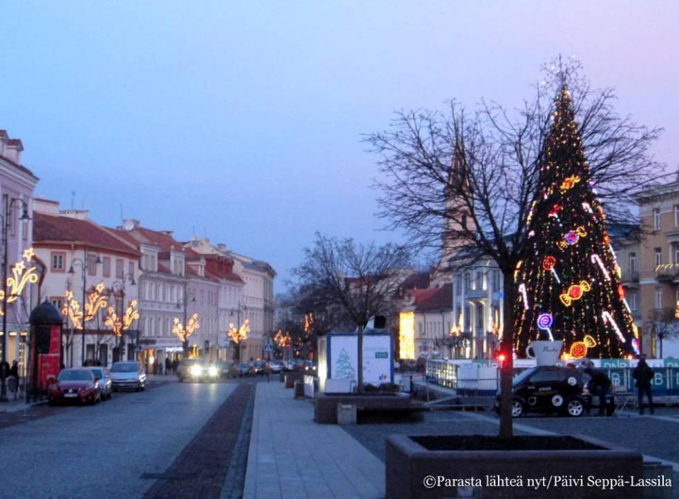 Joulutunnelmaa Vilnan vanhassa kaupungissa