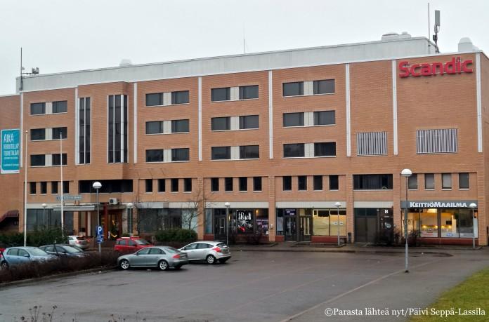 Scandic Järvenpää sijaitsee junaradan läheisyydessä.