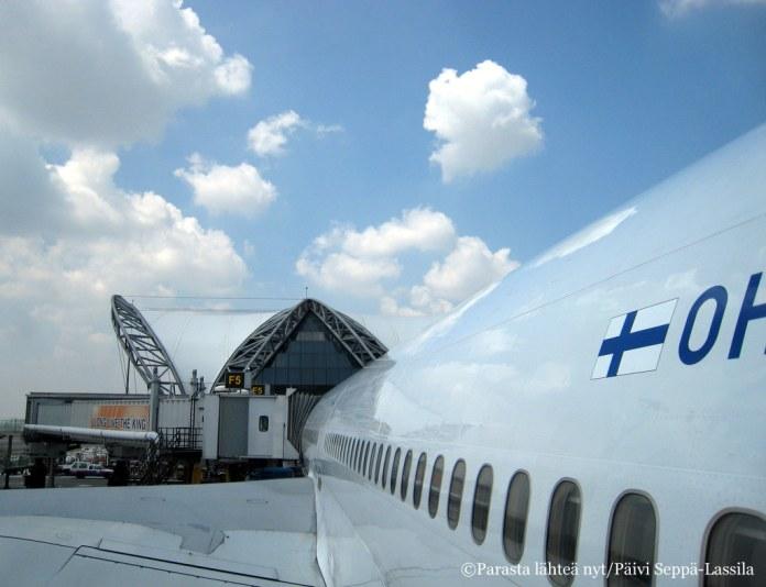 Lentokoneessa istumista tuli riittämiin tällä matkalla. Siinä kyllä ymmärsi, että maapallo on aika iso. Tämä konekuva voi olla tosin Bangkokista, jonne teimme menomatkalla välilaskun.