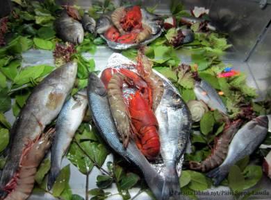 Meren antimista sai valita illallisensa raaka-aineen.