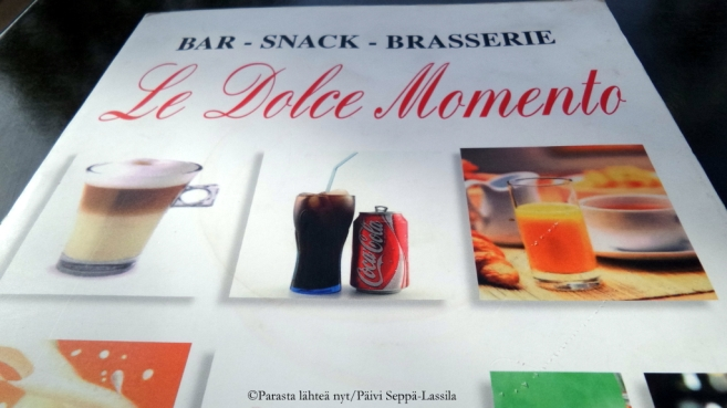 Le Dolce Moment oli kahvila Promenade des Anglaisin varrella.