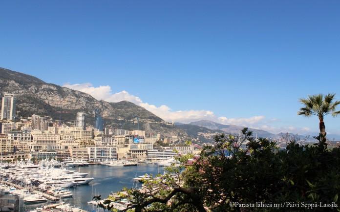 Näkymä satama-alueelle ja Monte Carlon suuntaan Monaco-Villen puolelta.