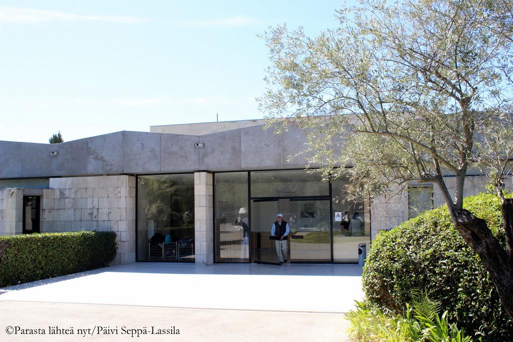 Marc Chagall -museon sisäänkäynti.
