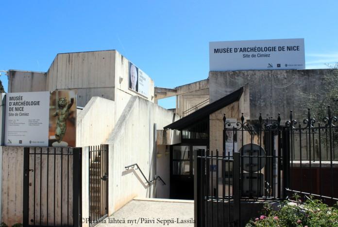 Historiasta ja arkeologiasta kiinnostuneille löytyy tästä museosta ulkoalueineen mielenkiintoista tutkittavaa.
