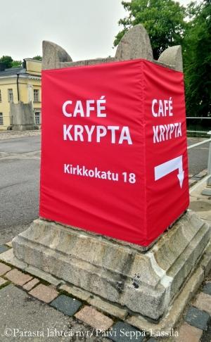Cafe Krypta sijaitsee Tuomiokirkon kivijalassa.
