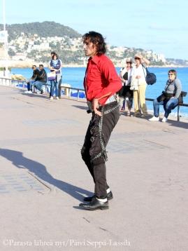 Michael Jackson -imitaattori Promenade des Anglaisilla.