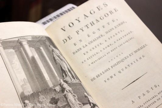 Kirja vuosisatojen takaa.
