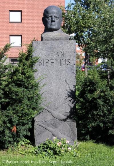 Jean Sibeliuksen patsas.