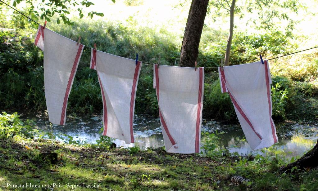 Kesätuuli kuivaa vielä pyykit.