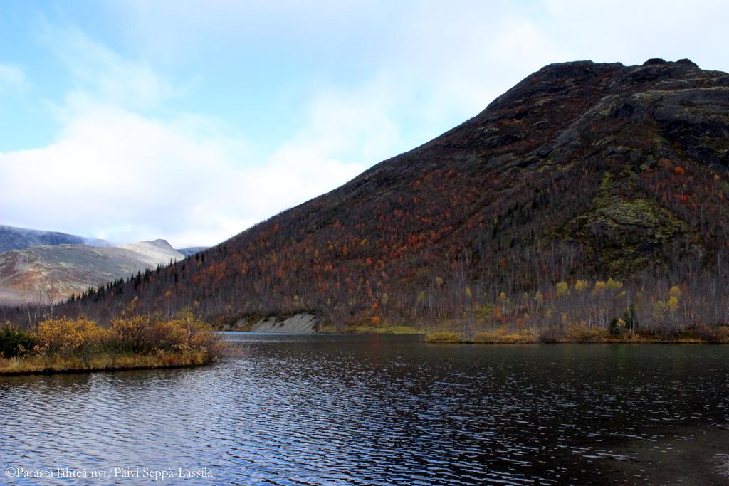 Hiipinätuntureillä/järvi