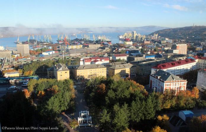 Näkymä hotelllin 12. kerroksesta Murmanskiin,
