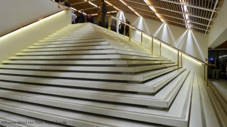 74. Pyramidiportaat, Kuopion kaupunginteatteri.