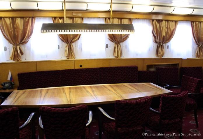 Kapteenin käyttöön varattu salonki.