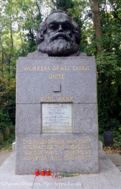 Karl Marxin hautamuistomerkki.