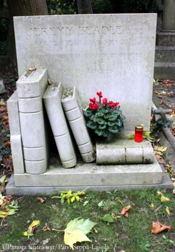 TV-tähti Jeremy Beadlen hauta.