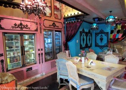 Shakspeare & Co -ravintola The Souk - ostoskeskuksessa.