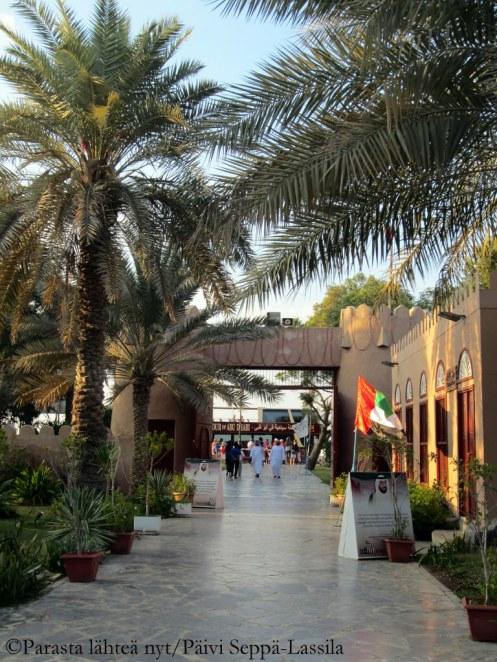 Abu Dhabin perinnekylä, Heritage Village.