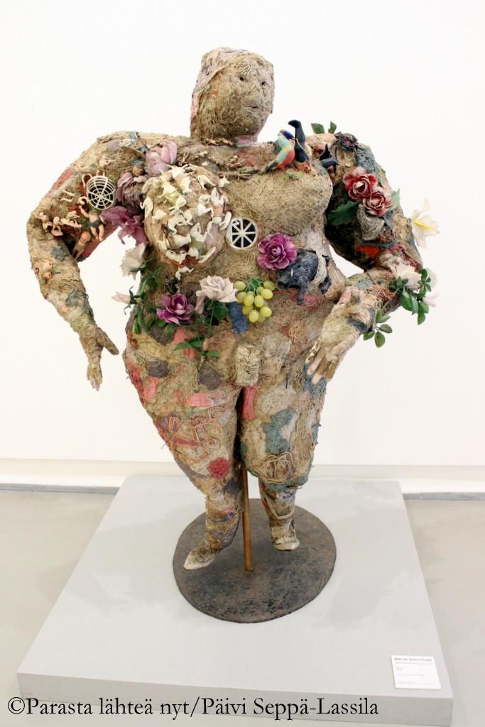 Niki de Saint Phallen työ Nizzan Modernin taiteen museossa.