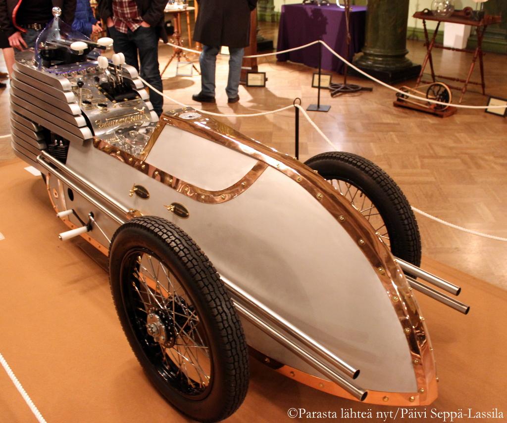 Futuromoteur sai ensiesittelynsä Materiaalisirkus-näyttelyssä.