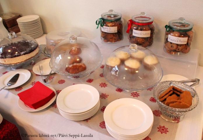 Kahvila Paratiisin leivonnaisia