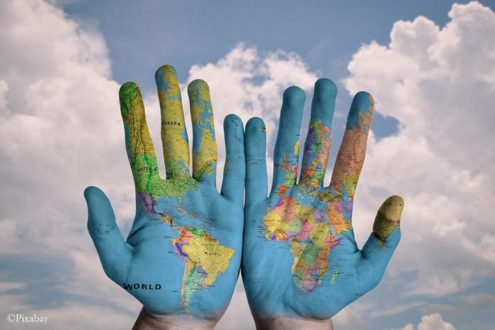 Maailma käsissä