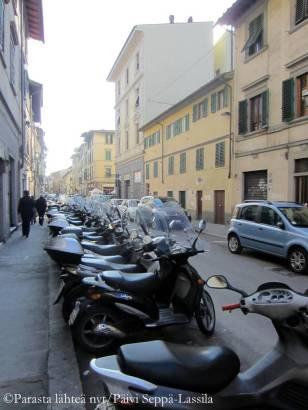 Firenzessä riitti vespoja.