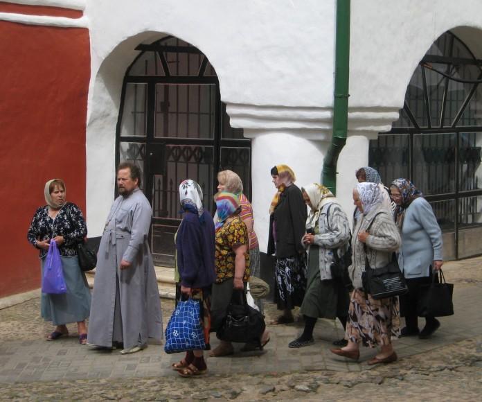 Petserin luostari, munkki, mummoja
