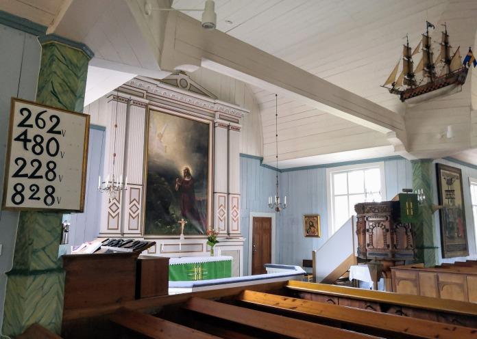 Houtskärin kirkko sisältä
